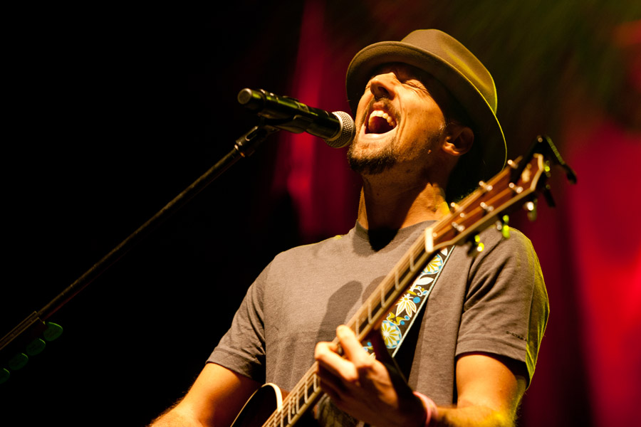Jason Mraz during Jingle Jam at Gwinnett Arena